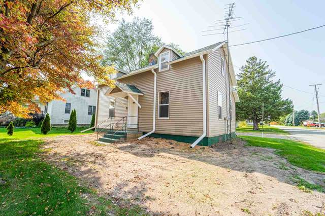 617 N Mill Street, Weyauwega, WI 54983 (#50229892) :: Ben Bartolazzi Real Estate Inc
