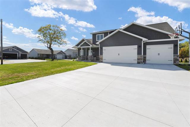 2543 Wallace Avenue, Neenah, WI 54956 (#50230037) :: Carolyn Stark Real Estate Team