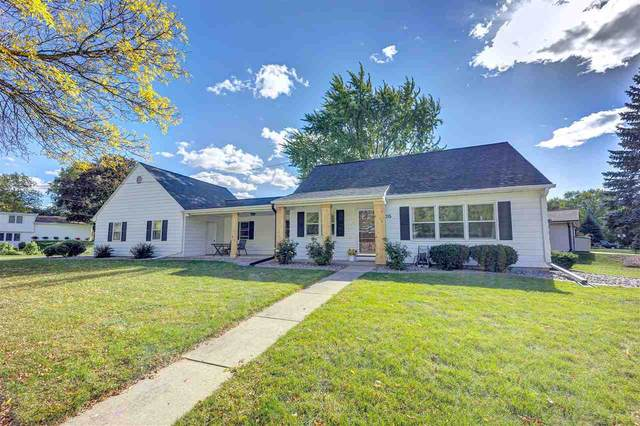 1015 Stevens Street, De Pere, WI 54115 (#50230959) :: Todd Wiese Homeselling System, Inc.