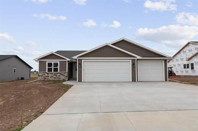 2980 Haas Road, Kaukauna, WI 54130 (#50231036) :: Todd Wiese Homeselling System, Inc.