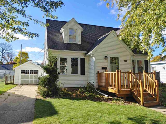 226 S Willow Street, Kimberly, WI 54136 (#50231053) :: Dallaire Realty