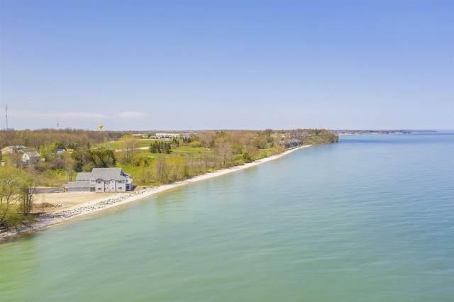 2614 Lake Street, Algoma, WI 54201 (#50231250) :: Town & Country Real Estate