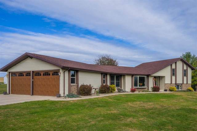 W6292 Quarry Road, Appleton, WI 54913 (#50231894) :: Todd Wiese Homeselling System, Inc.