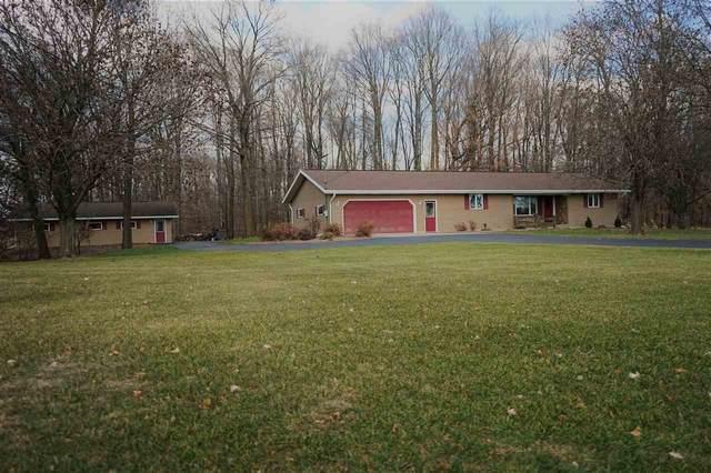 W6494 Center Valley Road, Shiocton, WI 54170 (#50232391) :: Ben Bartolazzi Real Estate Inc