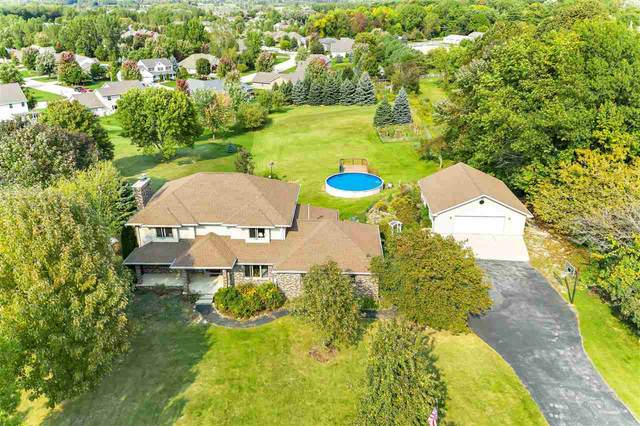 2515 Oak Ridge Circle, De Pere, WI 54115 (#50232874) :: Todd Wiese Homeselling System, Inc.