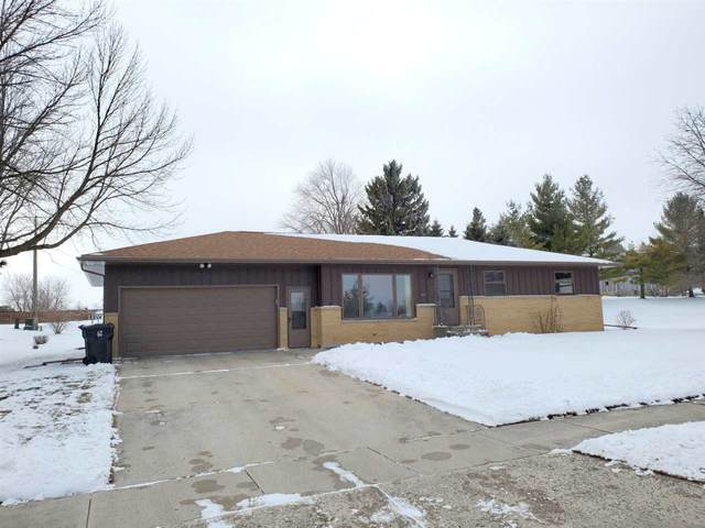 1411 Silver Moon Lane, New Holstein, WI 53061 (#50233695) :: Todd Wiese Homeselling System, Inc.