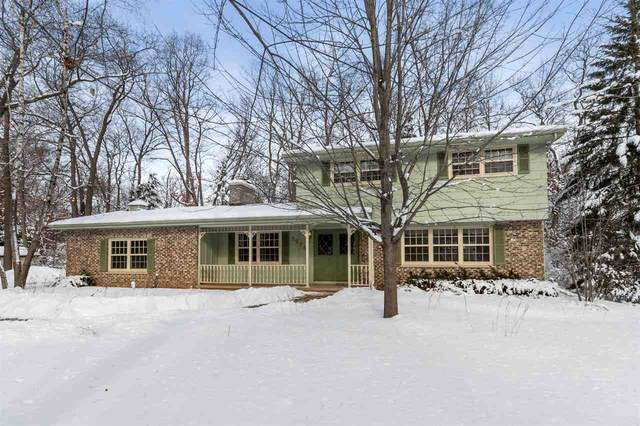 2874 Manor Drive, Oshkosh, WI 54904 (#50235467) :: Town & Country Real Estate