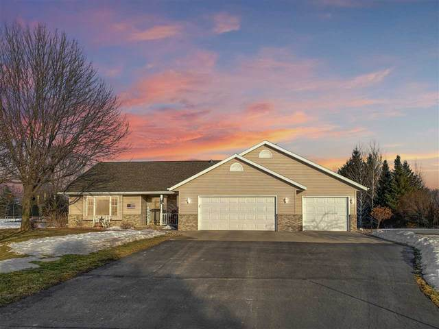 N1290 Chantilly Court, Hortonville, WI 54944 (#50236264) :: Ben Bartolazzi Real Estate Inc