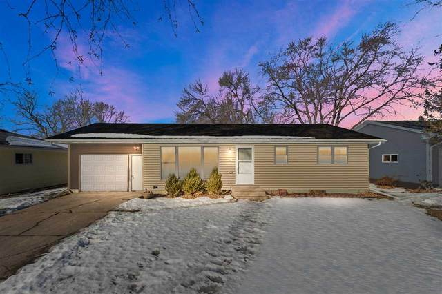 247 S Brooklyn Street, Berlin, WI 54923 (#50236268) :: Town & Country Real Estate