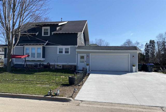 420 W Law Street, New London, WI 54961 (#50237718) :: Todd Wiese Homeselling System, Inc.