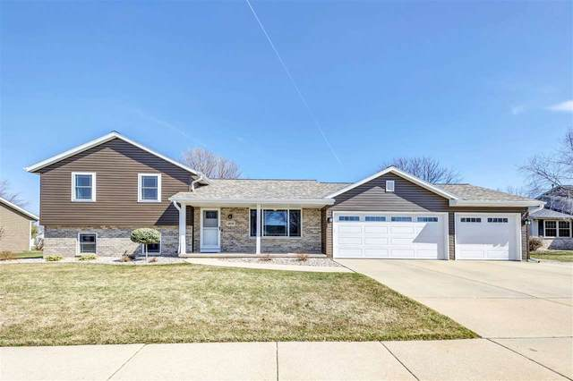 1808 Valley Lane, Little Chute, WI 54140 (#50237889) :: Dallaire Realty