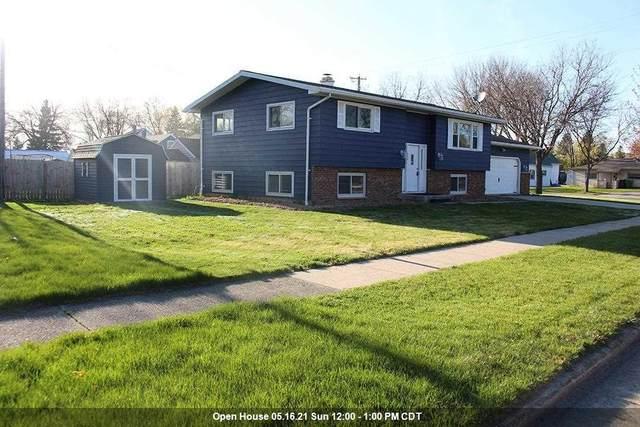 236 Laurel Lane, Fond Du Lac, WI 54935 (#50239626) :: Ben Bartolazzi Real Estate Inc