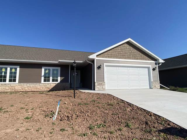 3838 Shore Crest Lane #14, Green Bay, WI 54311 (#50239784) :: Todd Wiese Homeselling System, Inc.