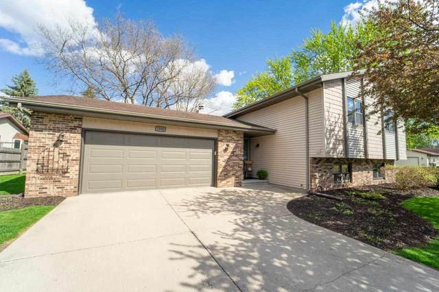 1050 Charles Court, Neenah, WI 54656 (#50239948) :: Dallaire Realty