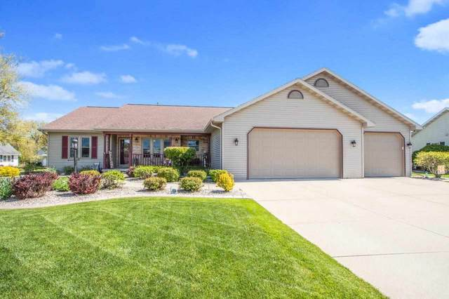 1212 Westbreeze Drive, Neenah, WI 54956 (#50240211) :: Dallaire Realty