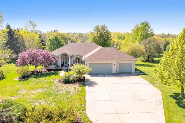 2196 Deer Point Lane, De Pere, WI 54115 (#50240431) :: Todd Wiese Homeselling System, Inc.
