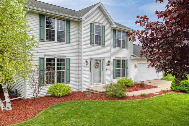 W5943 Valley Lane, Appleton, WI 54915 (#50240612) :: Carolyn Stark Real Estate Team