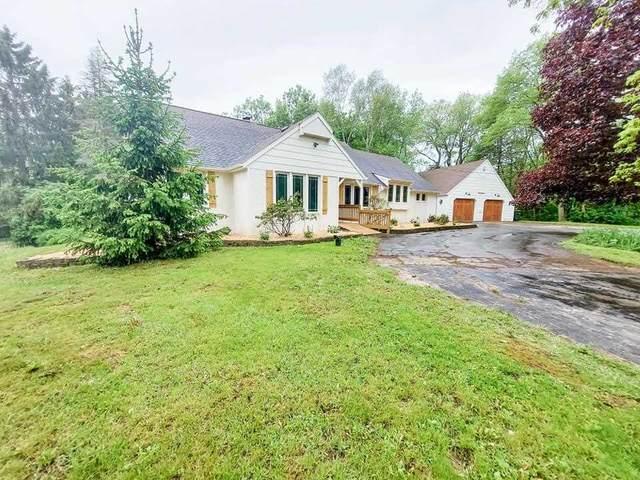 2867 Oakridge Road, Neenah, WI 54956 (#50240675) :: Todd Wiese Homeselling System, Inc.
