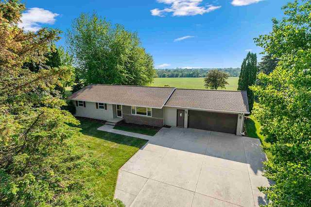N4051 Riverview Heights Court, Chilton, WI 53014 (#50241611) :: Todd Wiese Homeselling System, Inc.