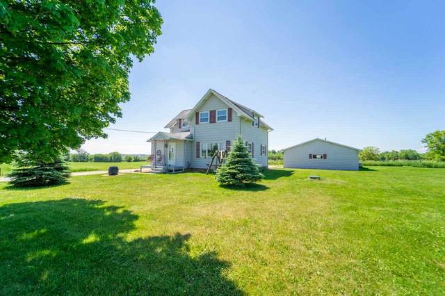 W7157 Hillview Road, Greenville, WI 54942 (#50241840) :: Dallaire Realty