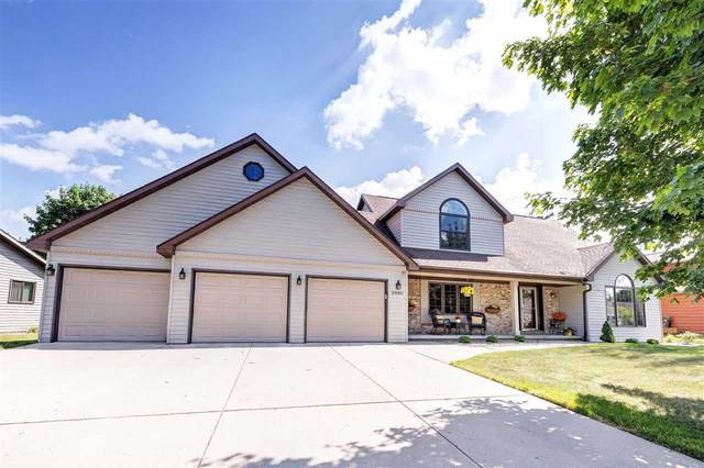 2986 Blue Moon Drive, Green Bay, WI 54311 (#50241878) :: Todd Wiese Homeselling System, Inc.