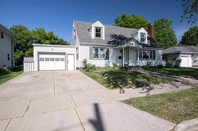 2219 N Erb Street, Appleton, WI 54911 (#50241963) :: Dallaire Realty