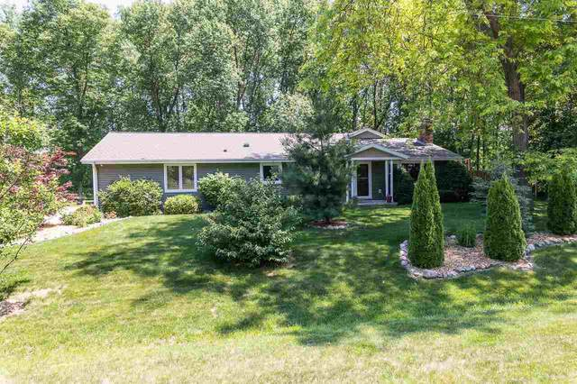 2709 Summerset Circle, Suamico, WI 54173 (#50242094) :: Carolyn Stark Real Estate Team