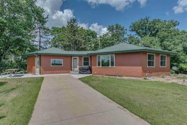 W6428 Chicago Avenue, Wautoma, WI 54982 (#50243432) :: Town & Country Real Estate