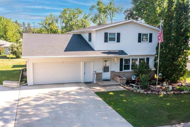 315 Douglas Street, New London, WI 54961 (#50243622) :: Todd Wiese Homeselling System, Inc.
