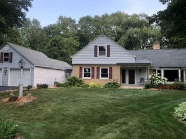 722 E Frontage Road, Little Suamico, WI 54141 (#50244095) :: Symes Realty, LLC