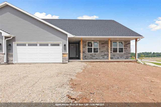214 Clubhouse Lane, Kimberly, WI 54136 (#50244345) :: Carolyn Stark Real Estate Team