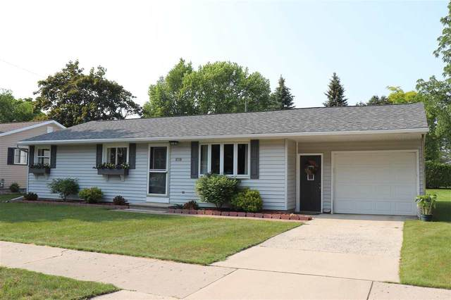 2914 42ND Street, Two Rivers, WI 54241 (#50244384) :: Symes Realty, LLC