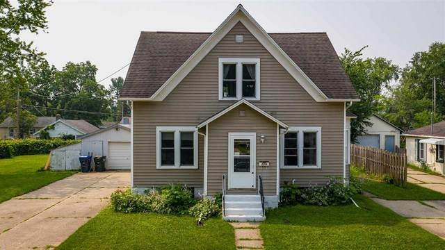 524 Bruce Street, New London, WI 54961 (#50244502) :: Todd Wiese Homeselling System, Inc.