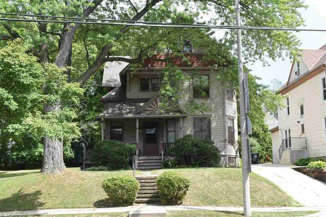 1224 Glenview Avenue, Wauwatosa, WI 53213 (#50245382) :: Todd Wiese Homeselling System, Inc.
