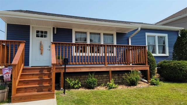 2111 Lincoln Street, Two Rivers, WI 54241 (#50246078) :: Symes Realty, LLC