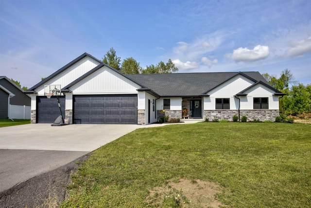 1565 Woods Edge Lane, Neenah, WI 54956 (#50247304) :: Todd Wiese Homeselling System, Inc.