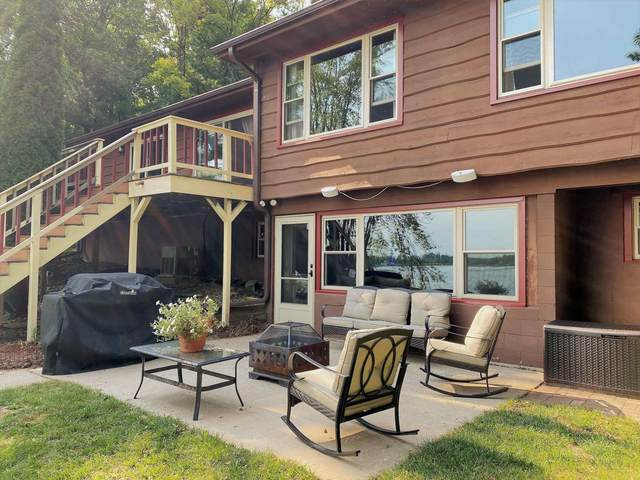 W7081 Oakwood Drive, Wautoma, WI 54982 (#50247307) :: Town & Country Real Estate