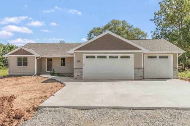 4312 Lakeland Drive, Omro, WI 54904 (#50247461) :: Symes Realty, LLC