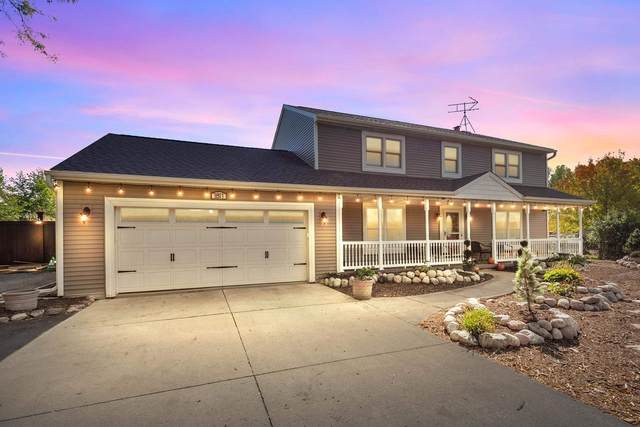 1811 Lakeshore Drive, Menasha, WI 54952 (#50248771) :: Todd Wiese Homeselling System, Inc.