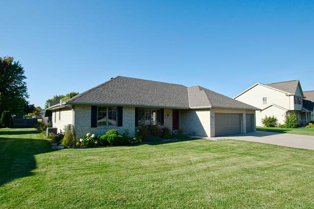 2352 Lost Dauphin Road, De Pere, WI 54115 (#50248834) :: Todd Wiese Homeselling System, Inc.