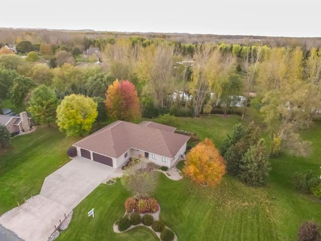 W7330 West Meadows Lane, Greenville, WI 54942 (#50249305) :: Dallaire Realty