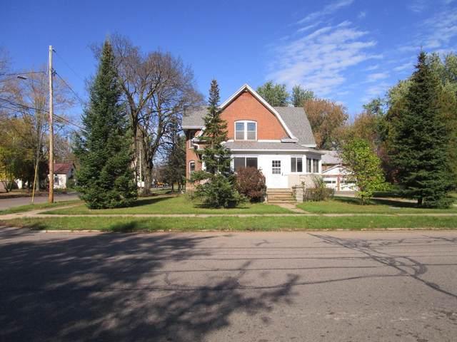 701 Ware Street, Waupaca, WI 54981 (#50249745) :: Todd Wiese Homeselling System, Inc.