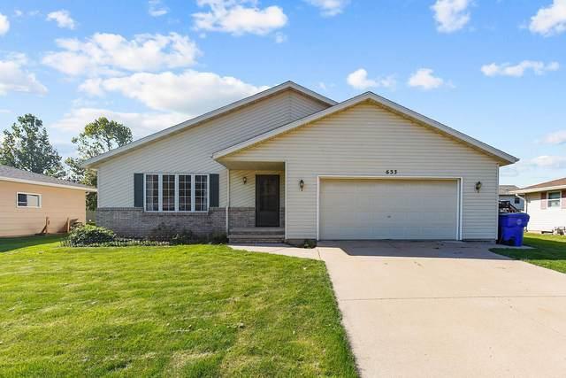 633 Sunset Avenue, Kaukauna, WI 54130 (#50249924) :: Todd Wiese Homeselling System, Inc.