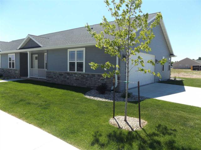 201 Clubhouse Lane, Kimberly, WI 54136 (#50191854) :: Dallaire Realty