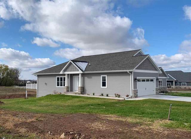W7092 Ridgeline Trail, Greenville, WI 54942 (#50213436) :: Todd Wiese Homeselling System, Inc.