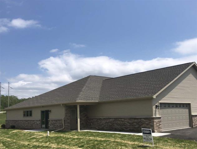2133 Royal Crest Circle #21, Green Bay, WI 54311 (#50194833) :: Todd Wiese Homeselling System, Inc.