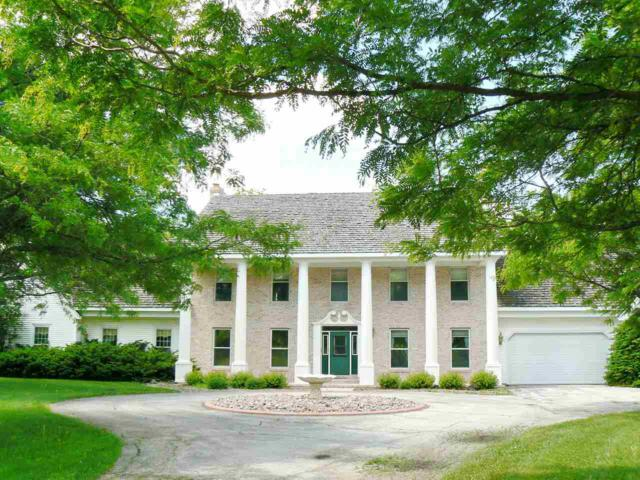3000 Old Plank Road, De Pere, WI 54115 (#50183948) :: Symes Realty, LLC