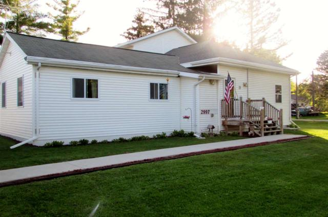 2997 Walnut Street, Abrams, WI 54101 (#50184253) :: Dallaire Realty