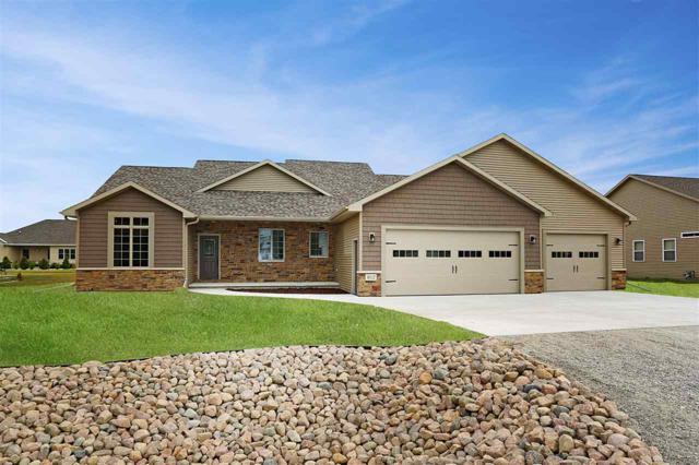 812 E Evergreen Drive, Kaukauna, WI 54130 (#50187225) :: Todd Wiese Homeselling System, Inc.