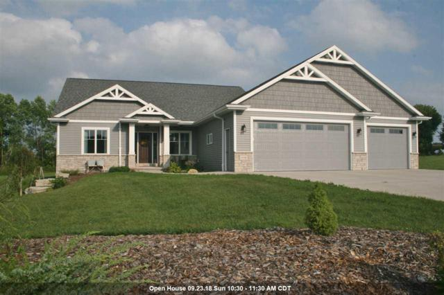 W7499 Cross Country Lane, Hortonville, WI 54944 (#50190522) :: Dallaire Realty